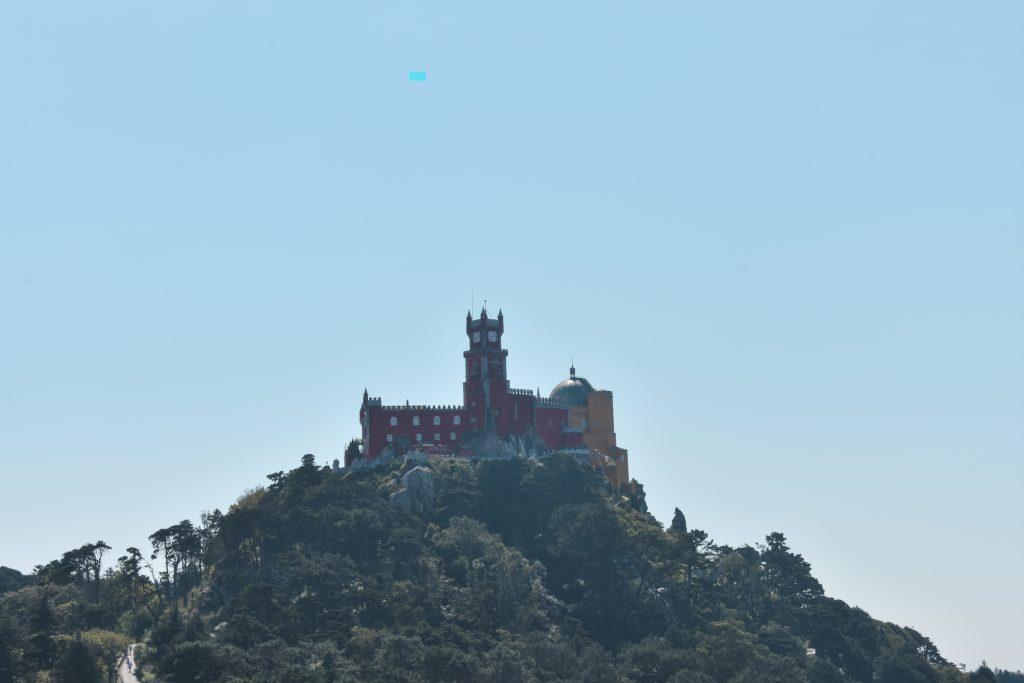 Sintra, o que vistar: Castelo-dos-Mouros_Vista_Palácio_Pena